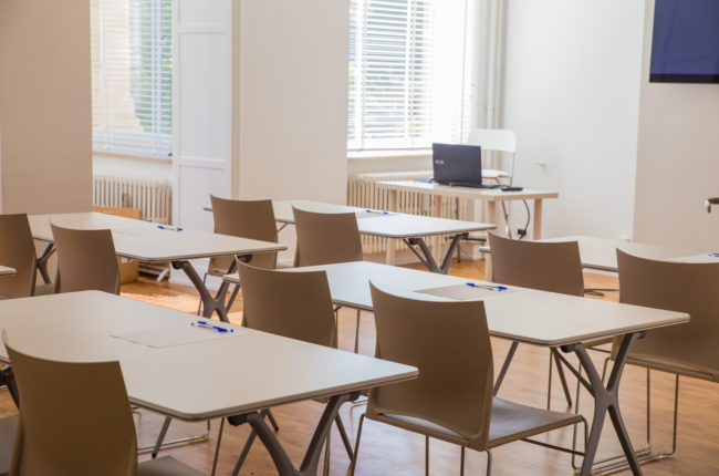 Meeting room for 10 to 40 people 80m2 – My Square