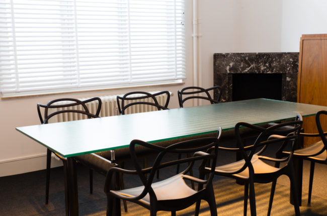 Meeting room for 2 to 8 people 15m² – Dominique